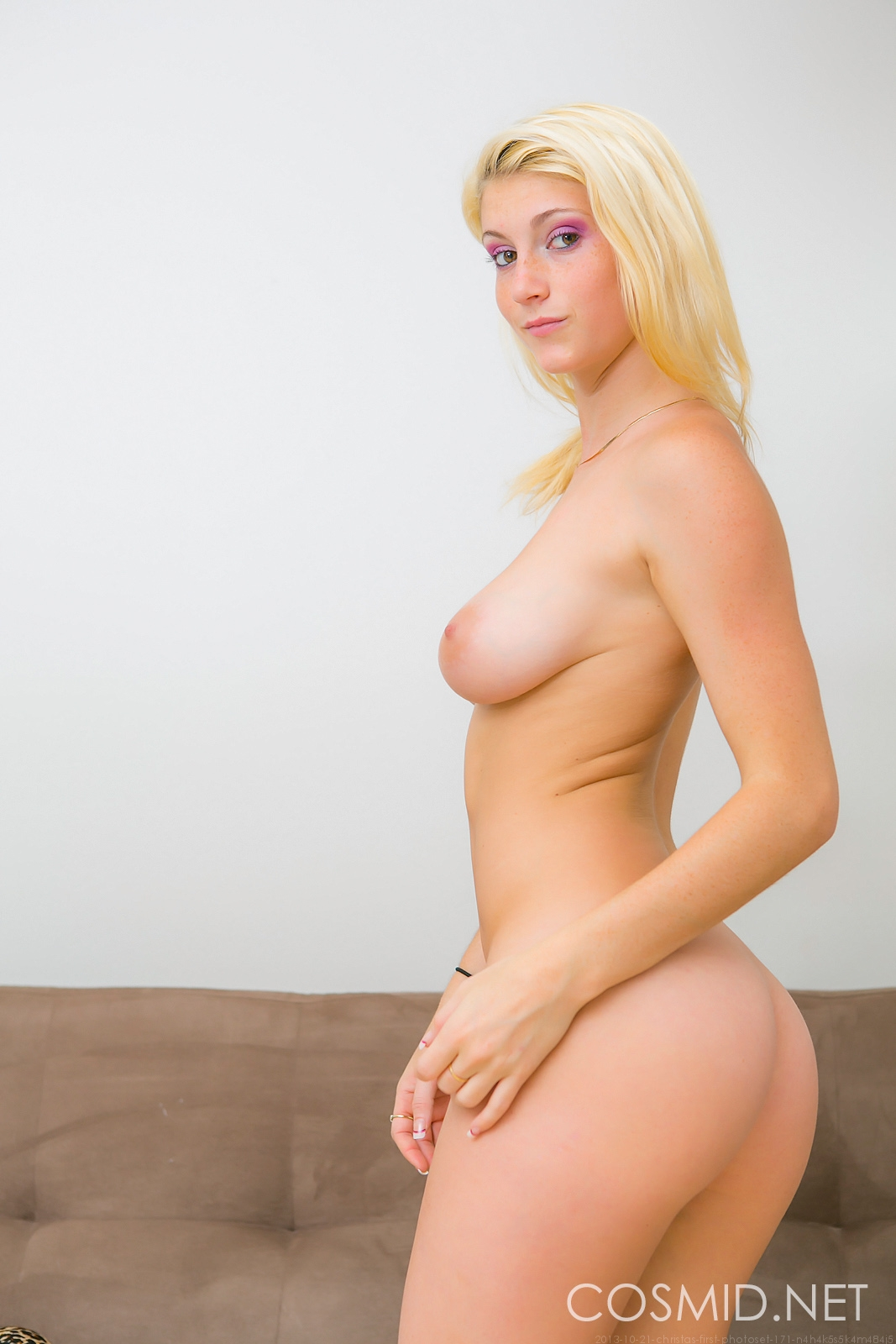 Kelly starr and her ample ass - 1 4