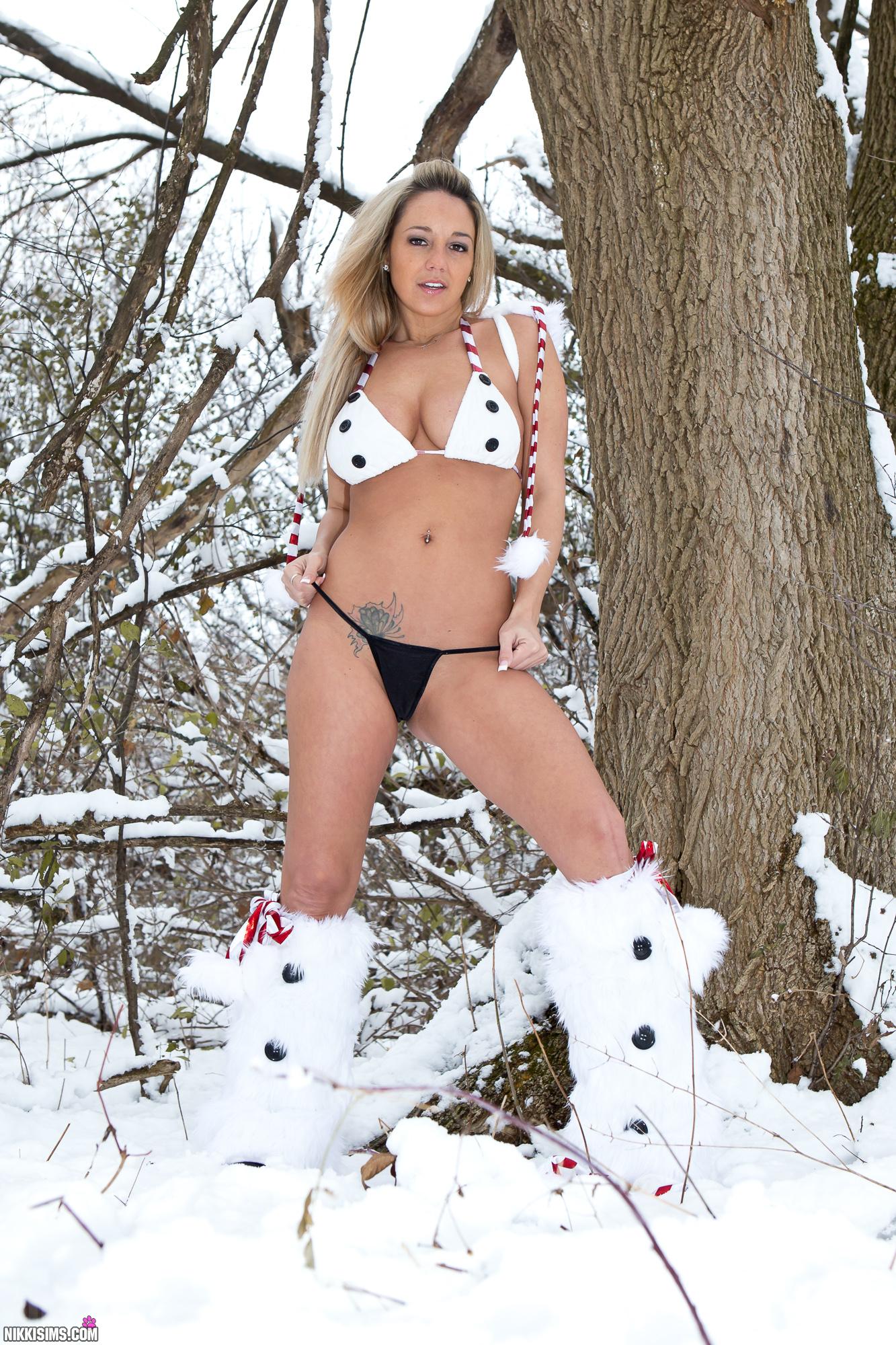 Niki Sims Naked 52